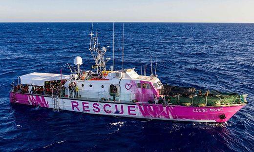 """Hilfe für die Helfer: das Schiff """"M.V. Louise Michel"""" von Banksy für Sea-Watch"""