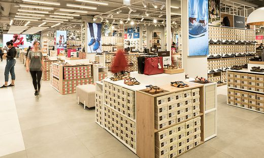 online store 9fc9b d6855 Leder & Schuh dementiert:: Billig-Schuhkette CCC an Humanic ...