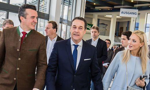 Im Nationalratswahlkampf 2017 waren Darmann und die Straches noch gemeinsam unterwegs