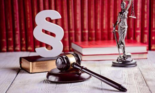 """""""Rechtsanwaltskanzleien sind nicht vom Betretungsverbot umfasst und können weiterhin von Klientinnen und Klienten zur Inanspruchnahme von Rechtsdienstleistungen betreten werden"""", heißt es von der Kärntner Anwaltskammer."""