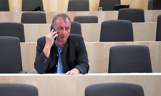 Der FPÖ-Nationalratsabgeordnete Wolfang Zanger kämpft mit Liederbuch-Affäre