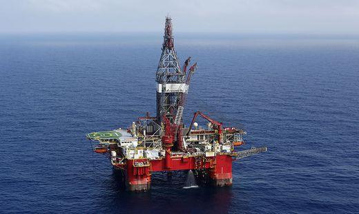 Ölpreis bricht durch Pandemie um 60 % ein