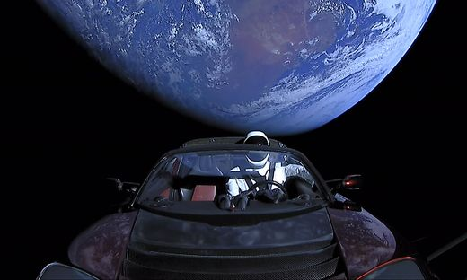 Der Tesla, als er noch nahe der Erde war