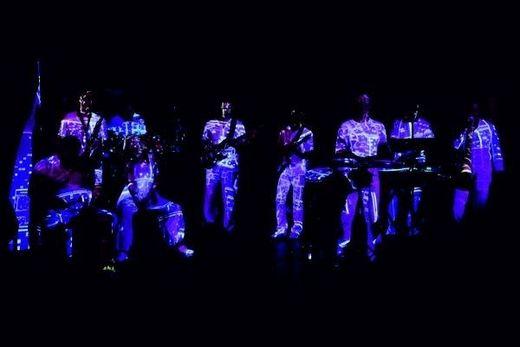 Drums on Earth bei einem Auftritt in der bluegarage in Frauental
