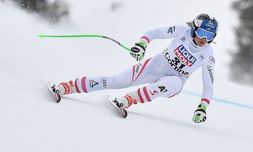 Nadine Fest stürzte in Cortina