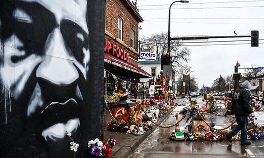 Der Tod des 46-jährigen Floyd am 25. Mai 2020 bei einem Polizeieinsatz in Minneapolis hatte in den USA Demonstrationen gegen Rassismus und Polizeigewalt ausgelöst