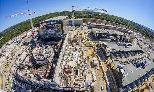 Baustelle der Superlative: 5000 Menschen arbeiten am Kernfusionskraftwerk ITER