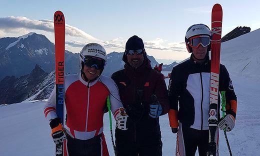 Markus Salcher mit dem neuen Cheftrainer Markus Gutenbrunner und Nico Pajantschitsch (v. l. n. r.)