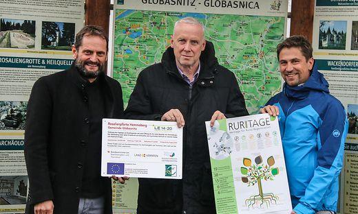 Von links: Peter Plaimer, Bernard Sadovnik und Gerald Hartmann setzten sich für die Rosaliengrotte ein