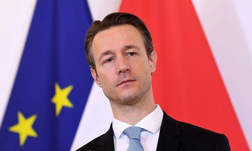 Finanzminister Gernot Blümel: Seine eigenen Fachleute kritisieren die Vorgangsweise der Regierung