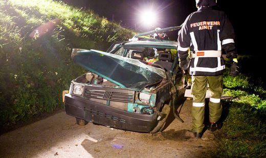 Fahrzeug stürzte ab