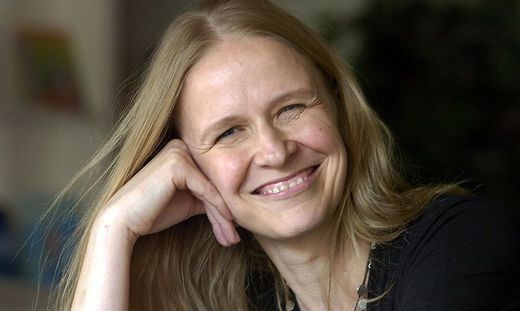 Kinderbuchautorin Cornelia Funke hocherfreut ueber ´Ritter»-Ehre