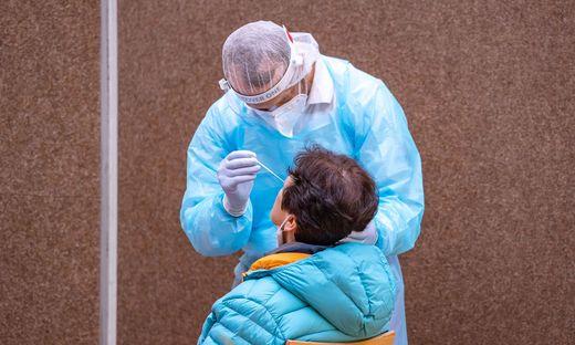 CORONA: TIROL - PCR-TESTS IM BEZIRK KITZB�HEL: