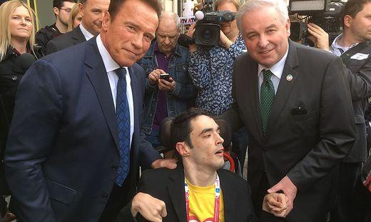 Legende Arnold Schwarzenegger, Journalist Martin Raith und Landeshauptmann Hermann Schützenhöfer