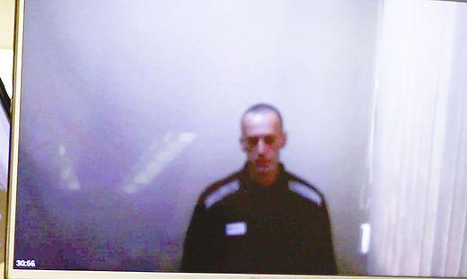 Alexej Nawalny vor Gericht - kahl geschoren und abgemagert