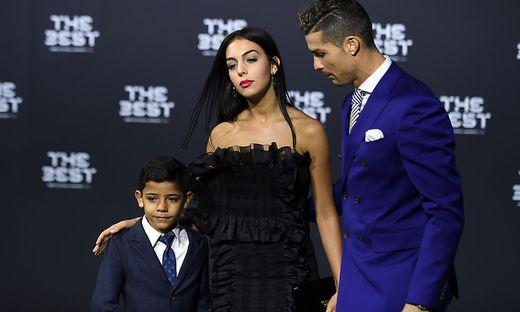 Wie Der Papa Ronaldos Sohn Mit Traumtor Kleinezeitung At