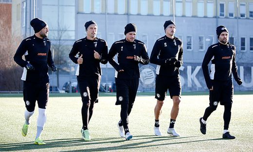 SOCCER - BL, Sturm, training start