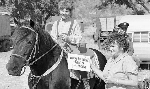 Kevin Corcoran als Kinderstar - mit Mama Kay