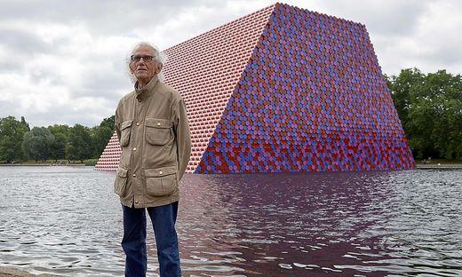 Christo vor seinem letzten Projekt im Hyde Park in London 2018