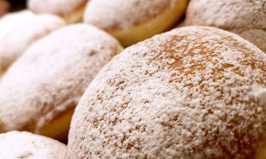 Österreichische Bäckerei will Krapfen-Emoji durchsetzen