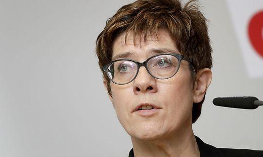 Unionsspitze beschwört Gemeinsamkeit und keilt gegen SPD - Panorama