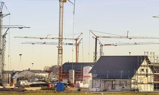 EU-weit kommen rund 40 Prozent der CO2-Emissionen aus dem       Gebäudesektor. Neue Energievorschriften sollen den Wert ab 2021 deutlich senken