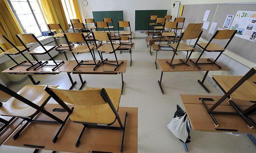 Das Schulsystem ist fest in Parteienhand.