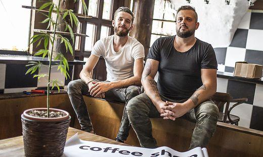 Haris Felic, Partner Franz Andreas im Coffeeshop