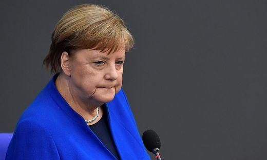 Angela Merkel zeigt sich erschüttert