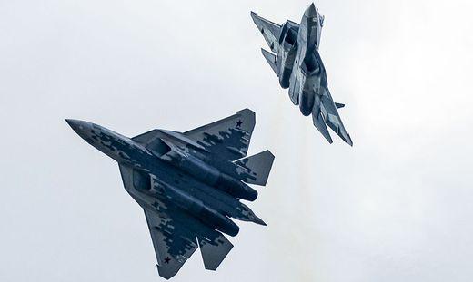 Kampfflugzeug Su-57