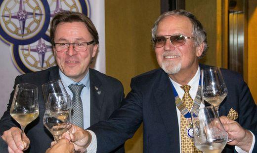 Schwiegersohn Gert Wanderer übergab des Präsidentenamt des Club 41 Leibnitz an Schwiegervater Werner F. Uhl