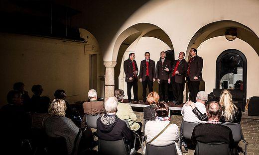 Die Sängerinnen und Sänger kommen aus ganz Kärnten