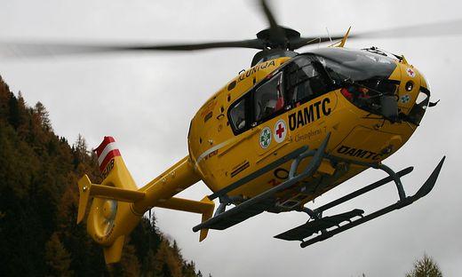 Der Biker wurde mit dem Rettungshubschrauber C7 ins Krankenhaus Lienz geflogen
