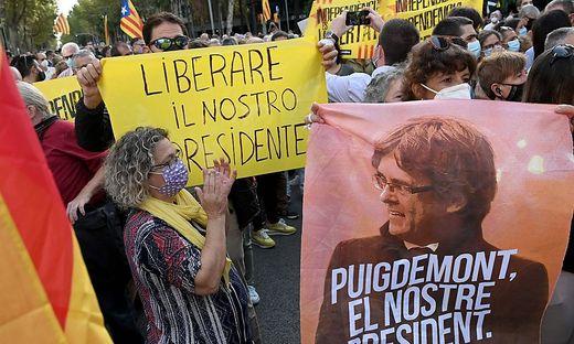 Seine Fans fordern Freiheit für Puigdemont