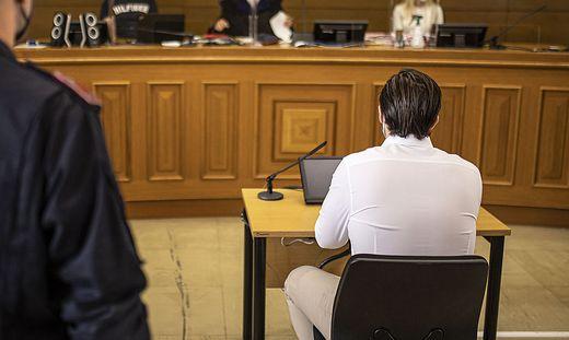 Der Angeklagte bekannte sich gleich zum Prozessauftakt schuldig