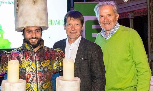 Bürgermeister Bernhard Spitzer (Mitte) mit Folke Tegetthoff (rechts)