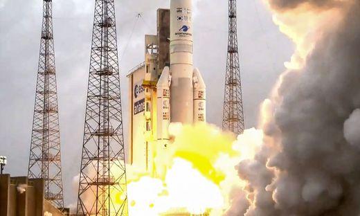 FRANCE-EUROPE-SPACE-TELECOM