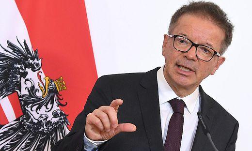 Gesundheits- und Sozialminister Rudolf Anschober setzt auf das Schutzkonzept für Spitalsbedienstete