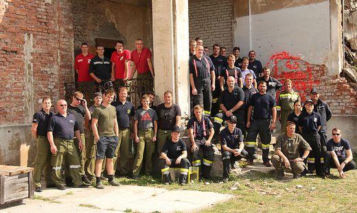 Feuerwehrmänner aus dem Mur- und Mürztal übten in Wiener Neustadt den Ernstfall