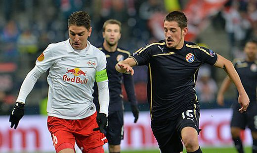 Der gedopte Arijan Ademi (rechts) im Duell mit Jonatan Soriano