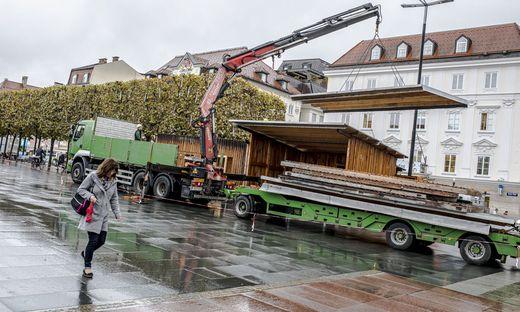 Aufbau Christkindlmarkt Neuer Platz Klagenfurt Oktober 2019