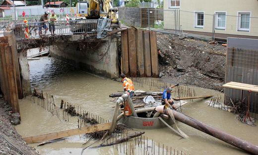 Sogar beim Schutzbau in der Stadt sorgte Hochwasser für Probleme.