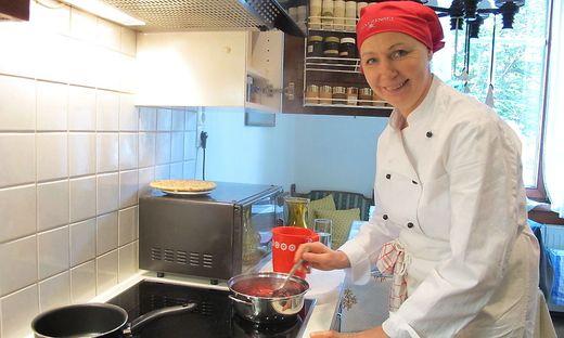 Franziska Koch reist mit ihrem Kochlöffel bewaffnet in fremde Küchen Österreichs