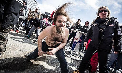 Keine Spur von Kälte bei Fans und Musikern am Full Metal Mountain