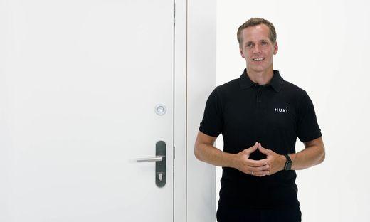 In der Tür voreingebautes Nuki: Nuki-Gründer Martin Pansy