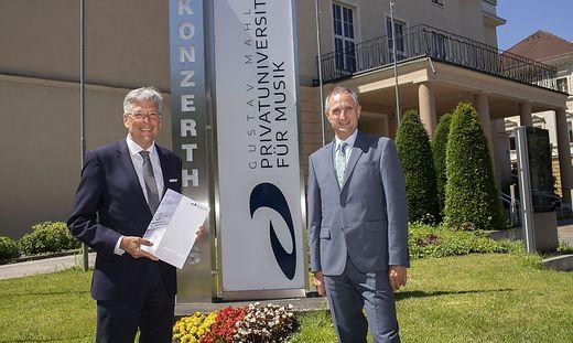 Landeshauptmann Peter Kaiser und Rektor Roland Streiner blicken auf ein erfolgreiches Jahr zurück