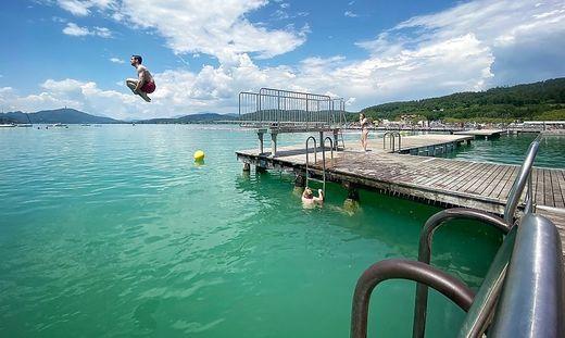 Im Strandbad Klagenfurt überwiegt die Freude, endlich wieder Badespaß genießen zu können, Corona-Regeln hin oder her