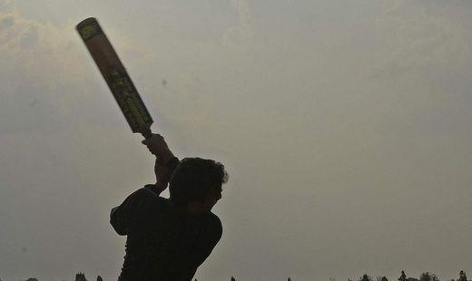 Attacke mit Cricketschläger