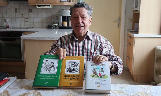 Ein Leben für das Dichten: Sepp Maier mit seinen Büchern