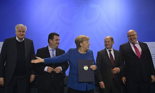 Innenminister Horst Seehofer, Arbeitsminister Hubertus Heil, Kanzlerin Angela Merkel, Finanzminister Olaf Scholz und Wirtschaftsminister Peter Altmaier